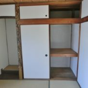 2階和室西側収納(内装)